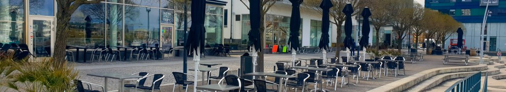 Indian Street Foods uteservering i Henriksdalshamnen