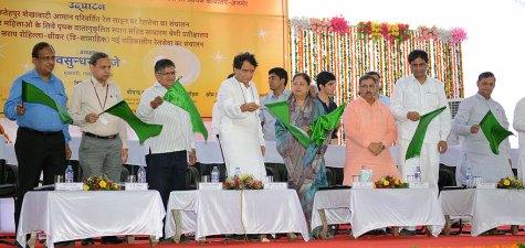cm-inaugural-function-jaipur-railway-station-suresh-prabhu-CMA_3340
