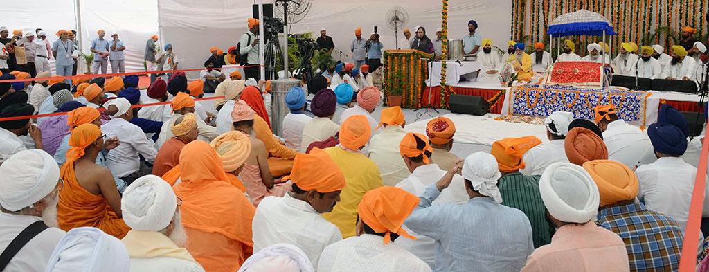 cm-kirtan-darbar-guru-govind-singh-350th-prakash-parv-CMA_6400