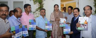 vasundhara-raje-meets-skill-development-youth-rsldc-CMP_51733