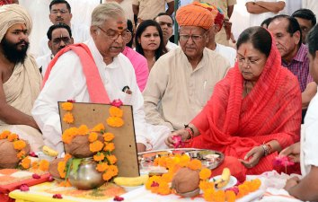 vasundhara-raje-development-works-Savitri-Mata-Temple-Pushkar-CMA_3233