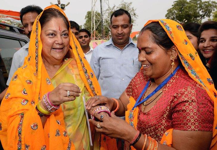 vasundhara-raje--jan-samvad-rajgarh-alwar-rajasthan-CMP_5340