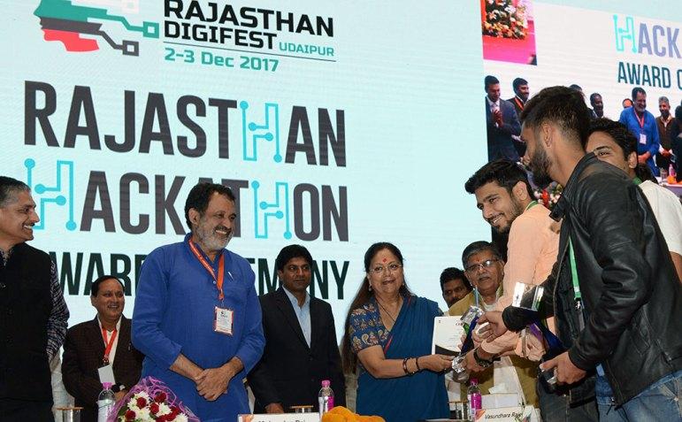 vasundhara-raje-digifest-closing-ceremony-udaipur-2017-CMP_8761