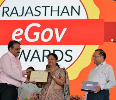 rajasthan-it-day-awards-chief-minister-vasundhara-raje-CMP_6340