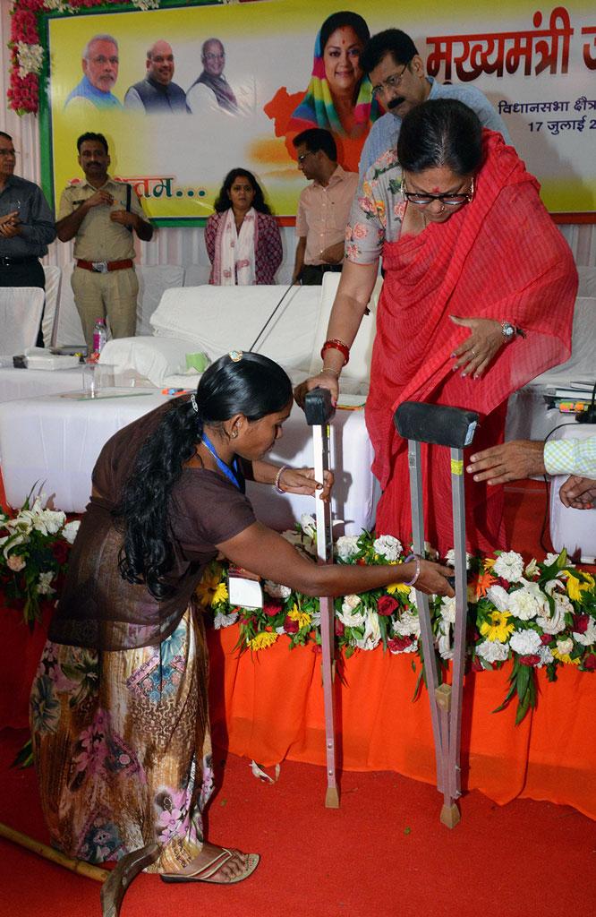 vasundhara-raje-sabla-aspur-dungarpur-CMA_8952