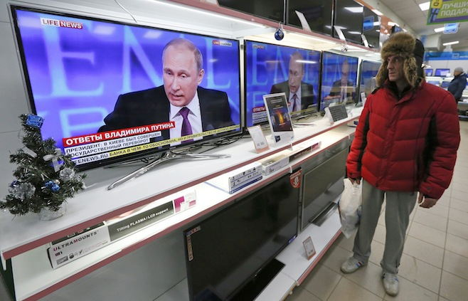 80 Percent of Russians Back Putin in the currency changeover