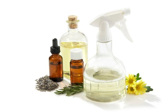 Καθαρίστε το σπίτι σας χωρίς χημικά!