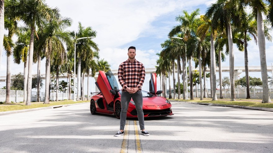 TANNER CHIDESTER IS HELPING MIAMI COMPANIES SCALE WHILE HAVING FUN HIMSELF!