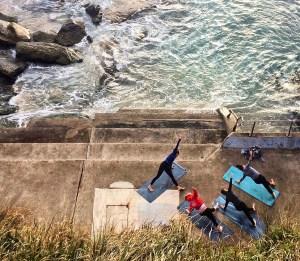 Yoga on Bondi Beach, Sydney, Australia https://vaycarious.com/2017/01/21/goals