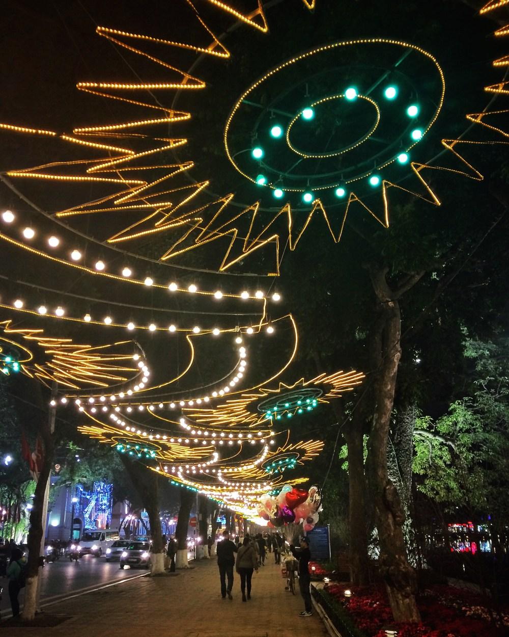 vaycarious.com Hanoi Tet