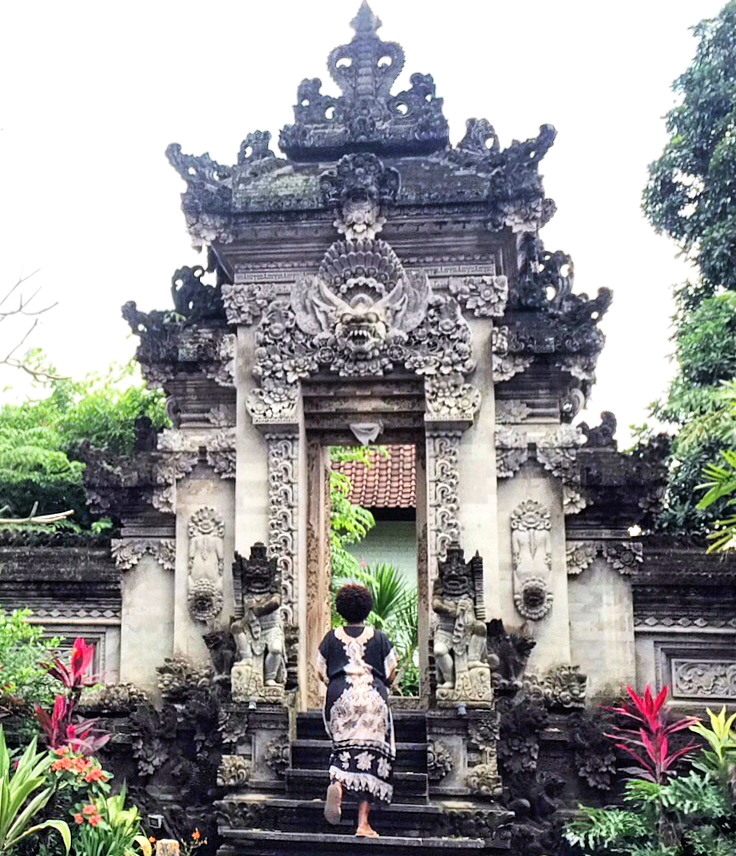Steps in Ubud, Bali http://vaycarious.com/2017/01/21/goals