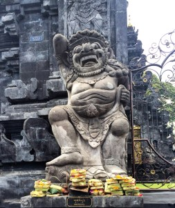 Bali Temple http://vaycarious.com/2017/02/01/flowers/