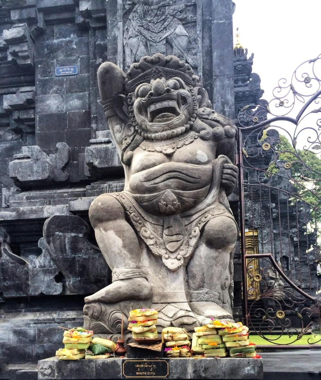 Bali Temple https://vaycarious.com/2017/02/1/flowers