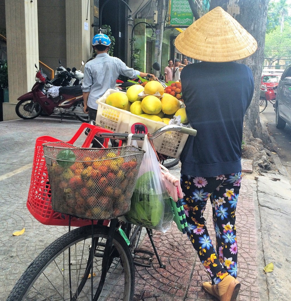 Ho Chi Minh City, Vietnam http://vaycarious.com/2017/02/1/flowers