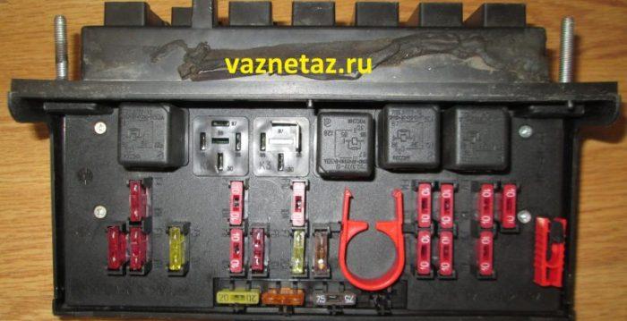 Блок предохранителей и реле Ваз 2107