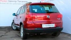 Volkswagen Tiguan — вид сзади