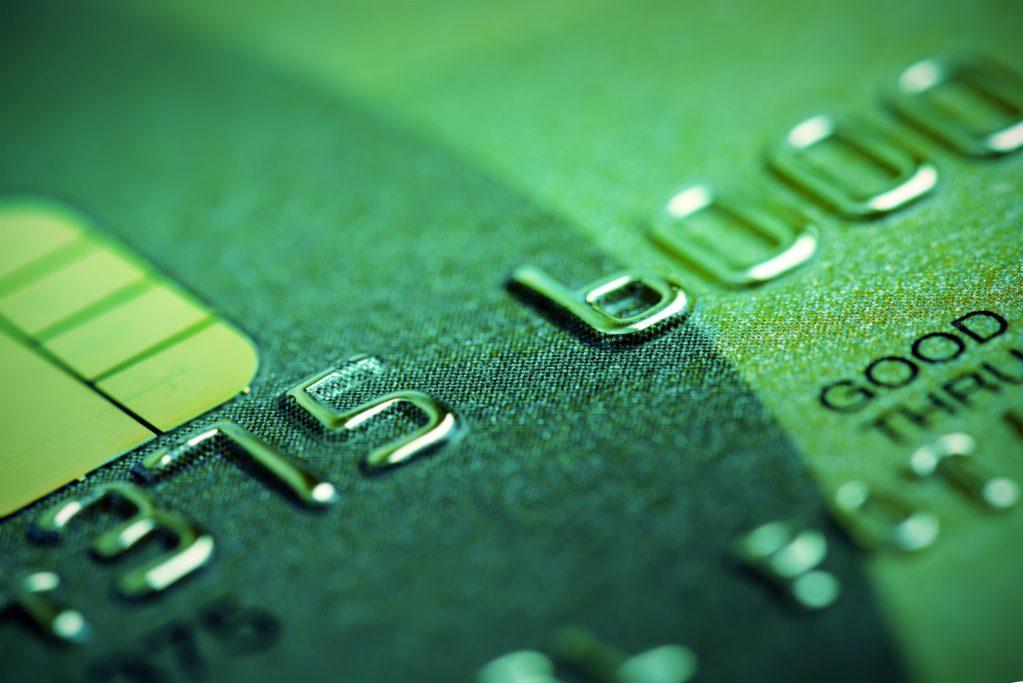 El interés de una tarjeta de crédito superior a los tipos normales es considerado usurario