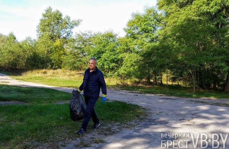 Генеральный консул Республики Польша в Бресте и Консул Украины в Бресте собирали мусор