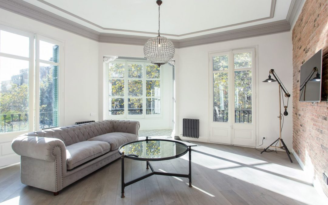 Renovations in Eixample, antique and elegant architecture