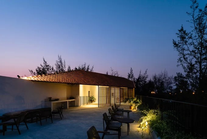 Quang Nam house opens up to nature - 11