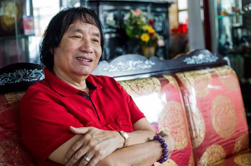 Nghệ sĩ Minh Vương chia sẻ ở tuổi gần 70 ông vẫn nhận được thư hâm mộ từ fan nữ.
