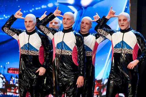 Baba Yega trên sân khấu Britains Got Talent.