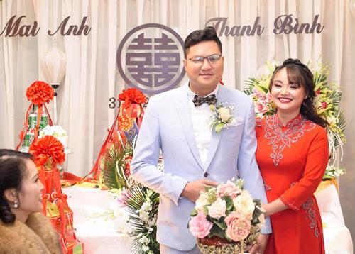 Thanh Bình - Mai Anh trong đám cưới đầu năm.