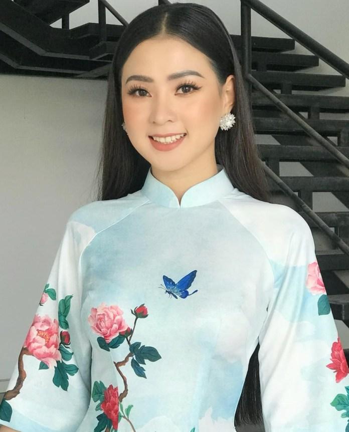 Thiên Hương - bạn gái Minh Luân - sinh năm 1993, từng vào Top 4 cuộc thi Duyên dáng Bolero. Hiện cô kinh doanh, thi thoảng tham gia chương trình nghệ thuật. Ảnh: Facebook Thiên Hương.