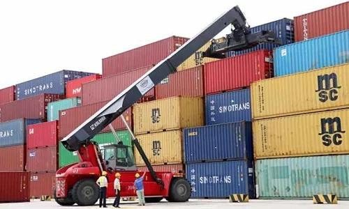 Các container tại một cảng ở tỉnh Giang Tô, Trung Quốc. Ảnh: CNBC