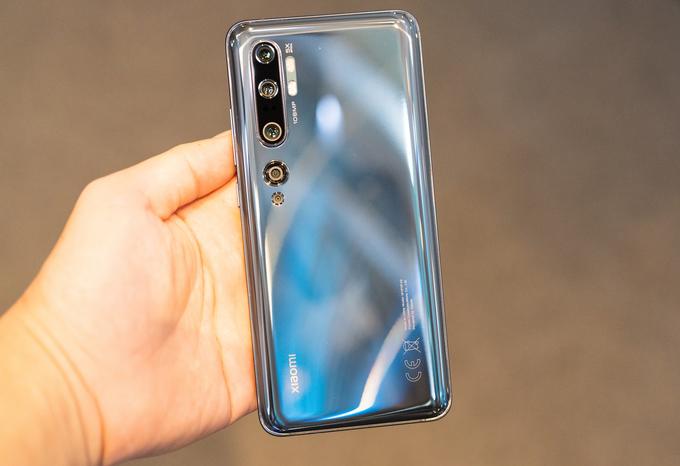 10 smartphone nhiều camera nổi bật nhất 2019