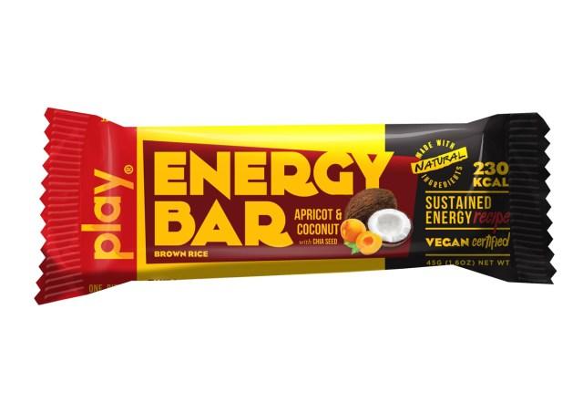 Thanh năng lượng PLAY giúp cơ thể nạp năng lượng trước khi chạy bộ.
