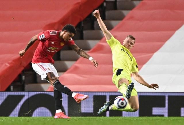 Rashford mở tỷ số cho Man Utd ở phút 30. Ảnh: Reuters