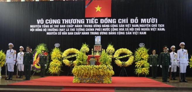 Linh cữu cố Tổng bí thư Đỗ Mười quà n tại Nhà tang lễ Quốc gia, Hà Nội. Ảnh: Ngọc Thà nh