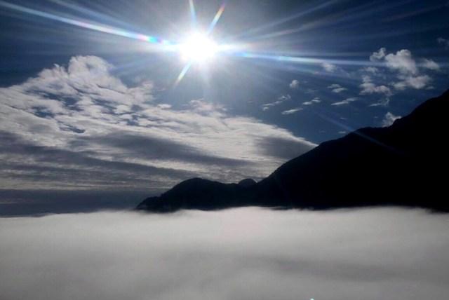 Tháng 3, đỉnh Fansipan (Sa Pa, Lào Cai) có nhiều ngày nắng. Ảnh: CTV.