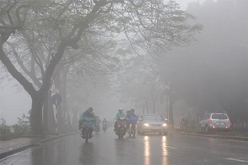 Thời tiết chủ đạo tuần tới ở Hà Nội là mưa nhỏ về đêm và sáng, trời nồm ẩm.