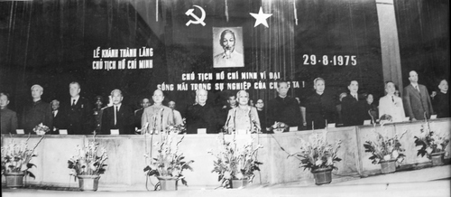 Lễ khánh thành Lăng Chủ tịch Hồ Chí Minh ngày 29/8/1975. Ảnh: Tư liệu