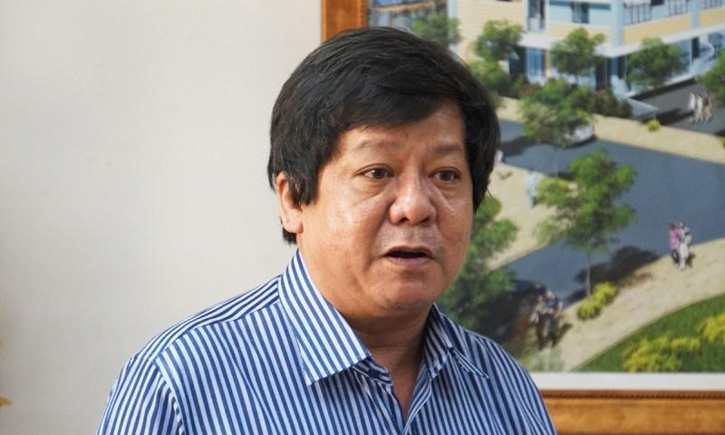 Ông Nguyễn Phúc Huy Tùng, Trưởng phòng Giáo dục và Đào tạo quận 2 tại buổi họp báo trưa 15/9. Ảnh: Mạnh Tùng