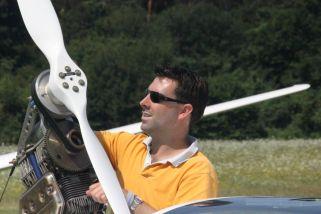 Wouter inspecteert de prop van de DG-1000