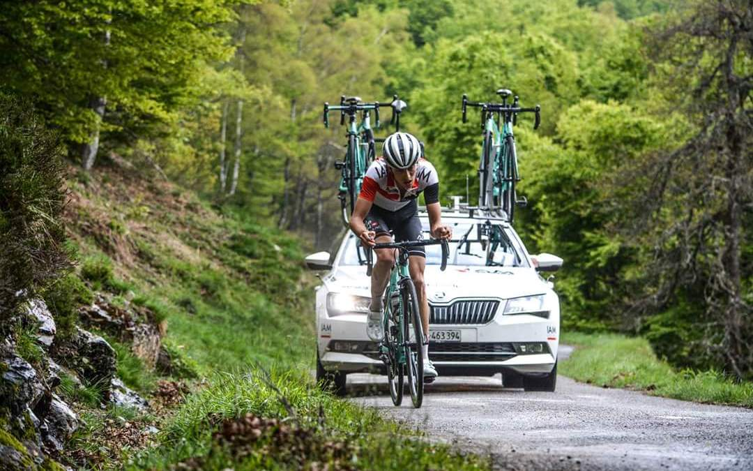 Gino Mäder s'impose à Saint-Girons