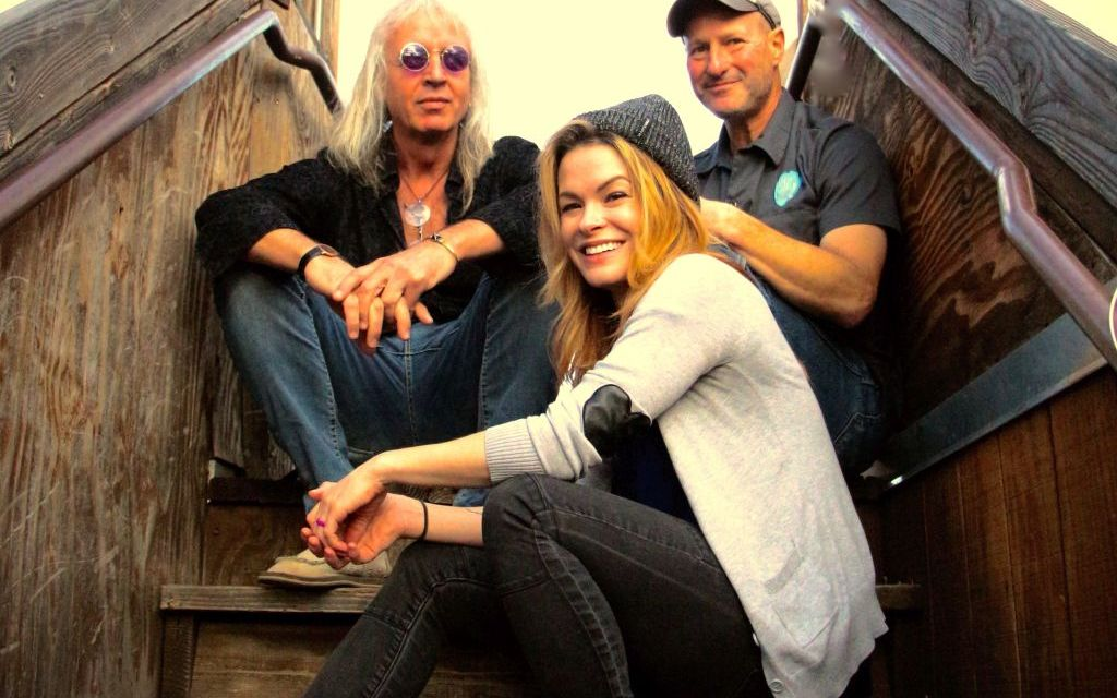 HOWLING AT THE MIC | The Howling Coyote Tour comes to Ventura County