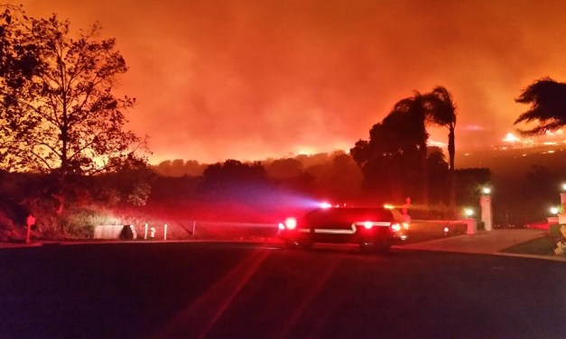 FIRES IN VENTURA COUNTY | Hill, Woolsey fires destroy homes, continue to rage