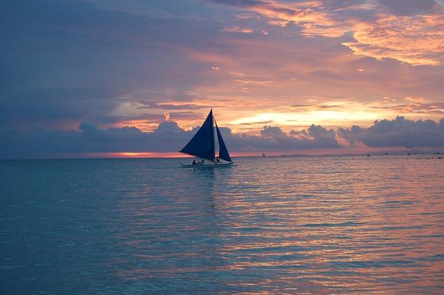sailing-169063_640