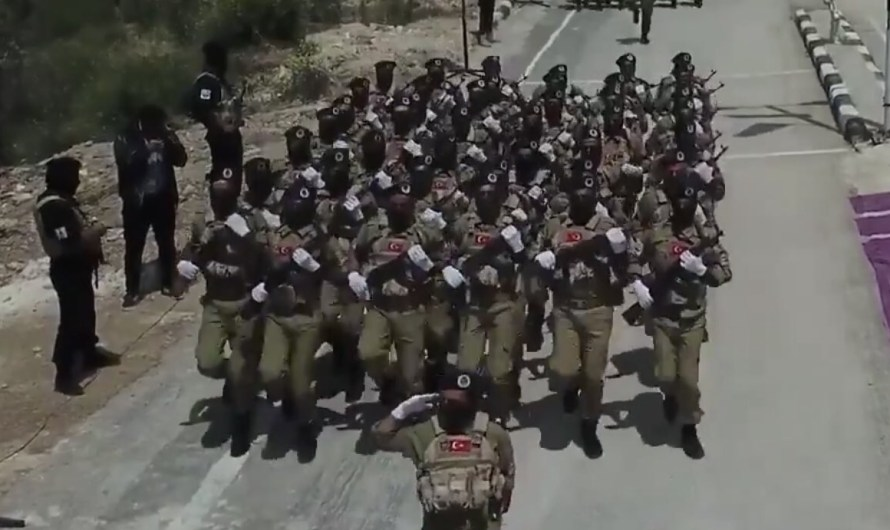 لماذا تمنع تركيا دخول النازحين من إدلب إلى مناطق سيطرتها شمال سوريا؟