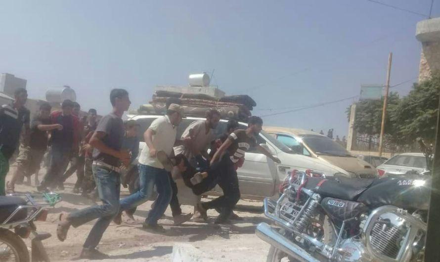 متظاهرين سوريون يقتحمون المعابر مع تركيا ويرفعون شعارات تتهم الجيش التركي بالخيانة