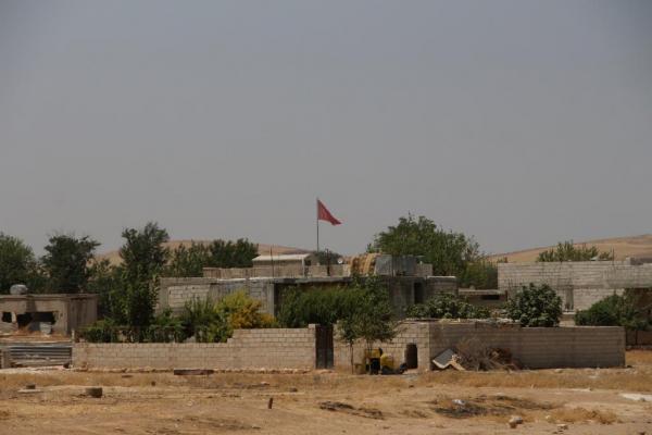 شهادات …. سكان قرى حدودية يتهمون تركيا باطلاق كلاب مسعورة في الجانب السوري