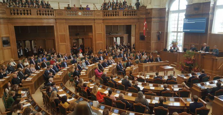 البرلمان الدنماركي يندد باستمرار الاعتداءات والعدوان التركي شمال سوريا