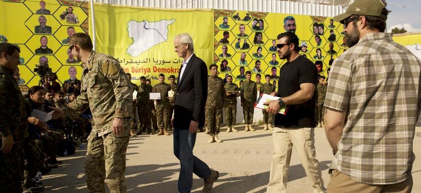 """دبلوماسي أمريكي يكشف تفاصيل جديدة عن تبعات سلبية """"للانسحاب الأمريكي"""" من شمال سوريا وفرص اصلاح الضرر"""