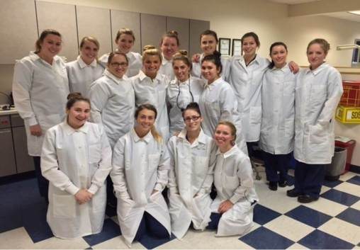 dental-hygiene-students-201807-001