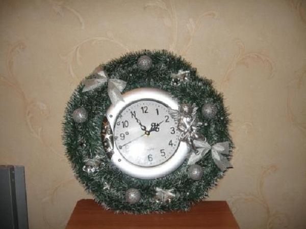 tee-se-itse uudenvuoden kello sisustus