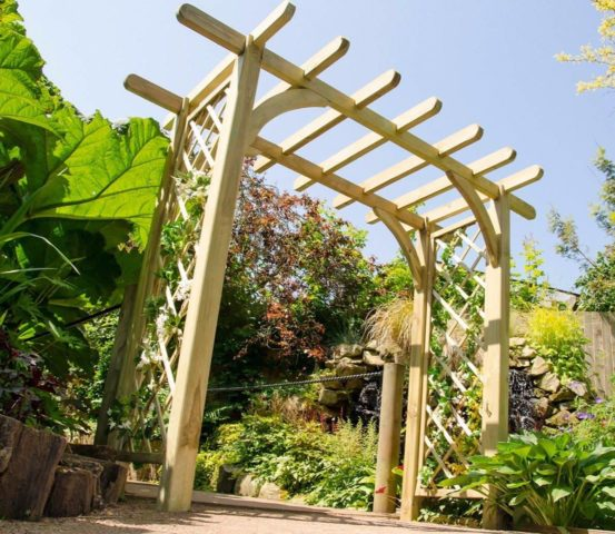 Pergola en bois bricolage: comment faire, instructions étape par étape, photo